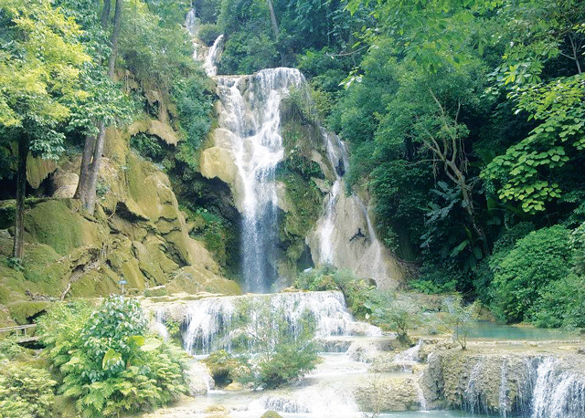 Kwangsy waterfall is nearly 30 km to the south of the former royal capital Luang Prabang, northern Laos. Photo by Mr. Adisack Sitanorasingh inn.